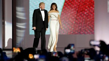 170120220732-donald-and-melania-trump-first-dance-exlarge-169.jpg